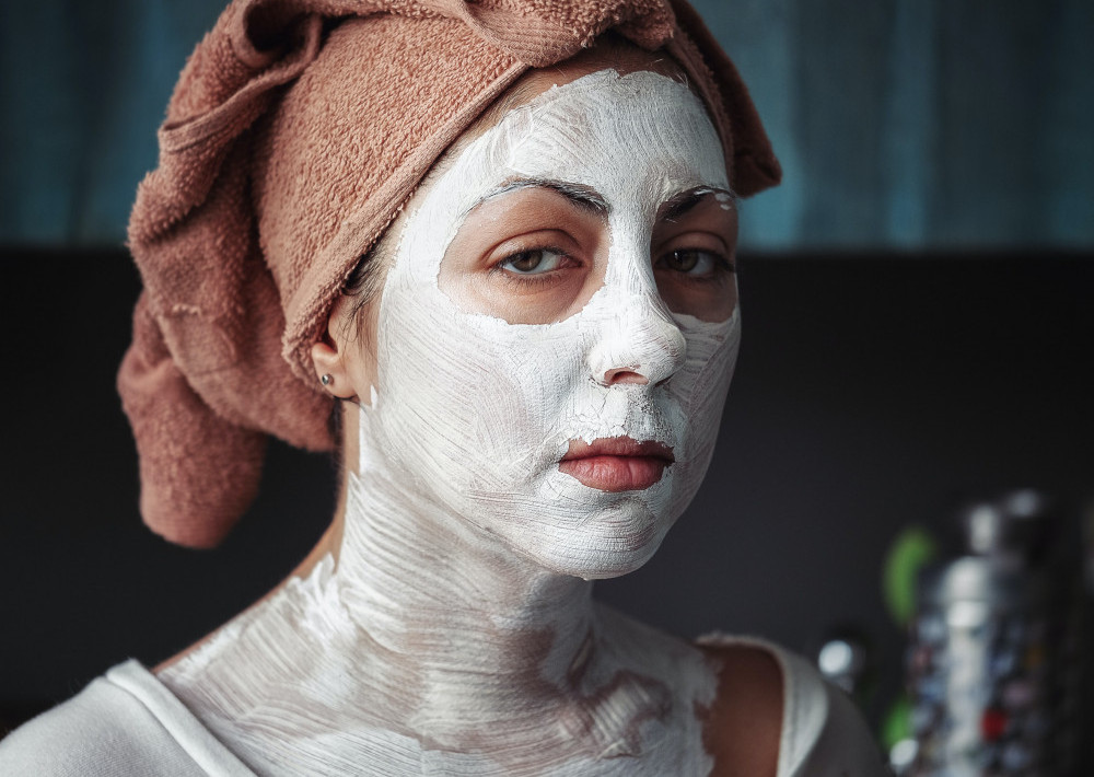 What-Is-a-Facial-Oil-Why-Many-Experts-Are-Recommending-It-Mask