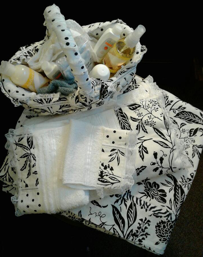 Creative-Arts-and-Crafts-Projects-Fabric-Covered-Baskets-Bathroom-Set-Set-Set